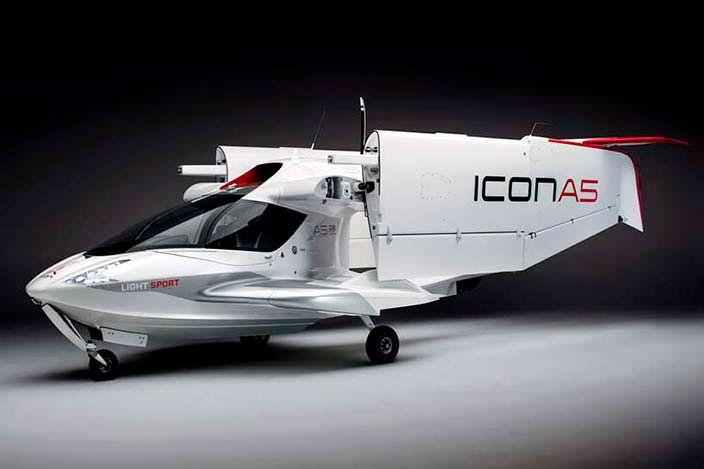 Частный двухместный самолет ICON A5 со складными крыльями