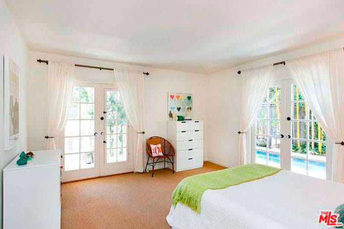 Дизайн гостевой спальни в доме Винса Вона