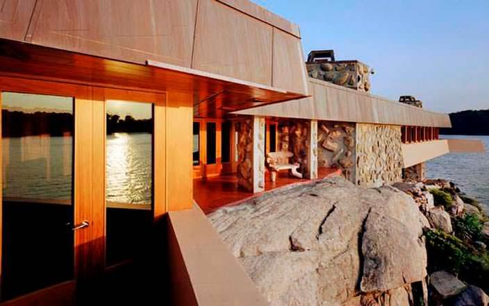 Вилла от Фрэнка Ллойда 2008 года постройки на частном острове