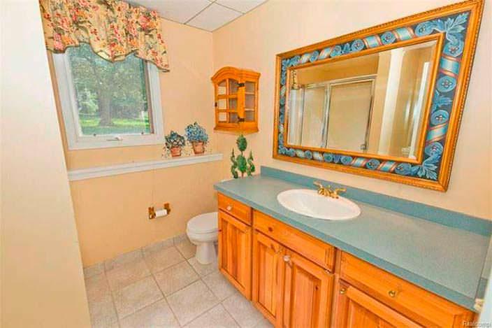 Дизайн ванной комнаты в доме Эминема