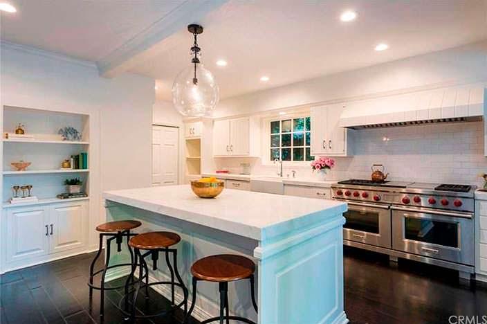 Дизайн профессиональной кухни в доме Лорен Конрад