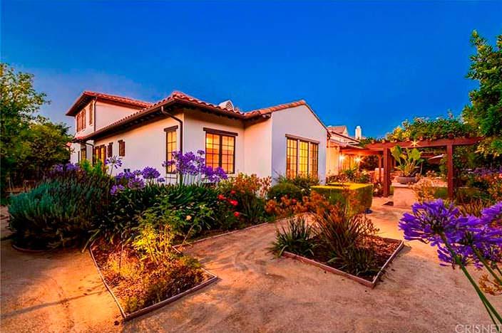 Дом в испанском стиле в Калабасасе, Калифорния