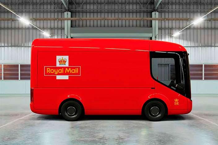 Электрический почтовый фургон Royal Mail и Arrival