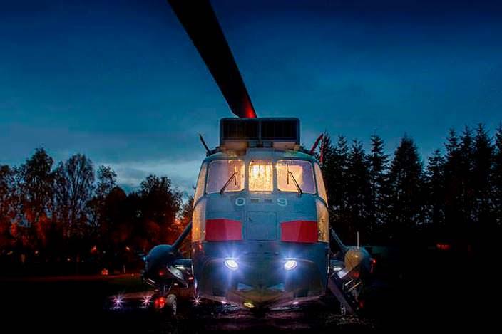 Элитный отель: вторая жизнь списанного вертолета