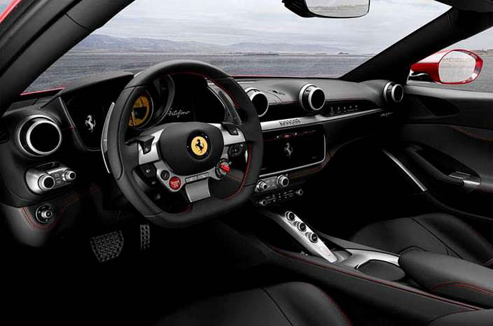 Просторный интерьер Ferrari Portofino 2018