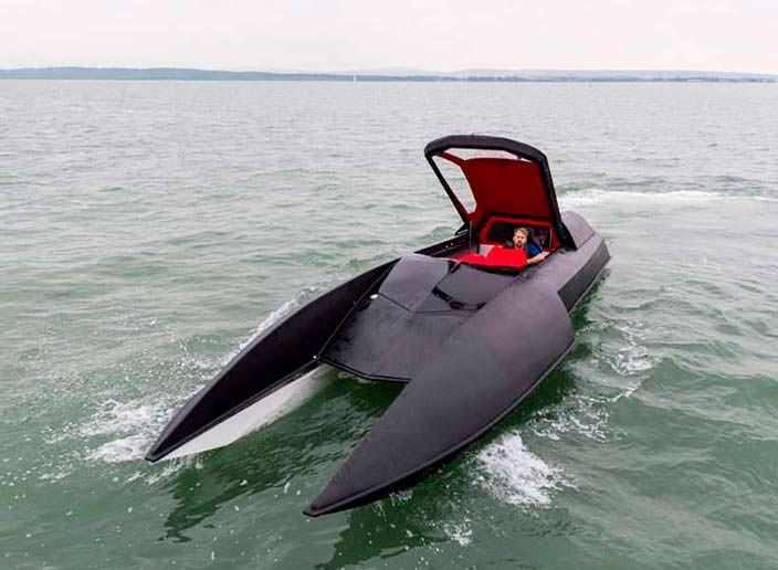 Спортивный катер Alpha Centauri: позавидует Брюс Уэйн