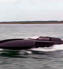 Создан катер Бэтмена Alpha Centauri: быстрый и крутой | фото
