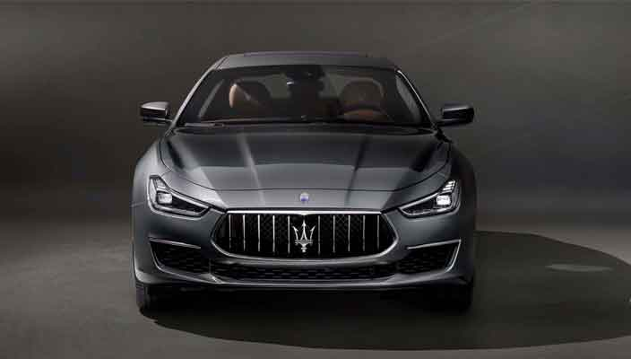 Maserati Ghibli обновилась на 2018 год и сменила имя | фото