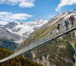 Самый длинный пешеходный подвесной мост открылся в Швейцарии