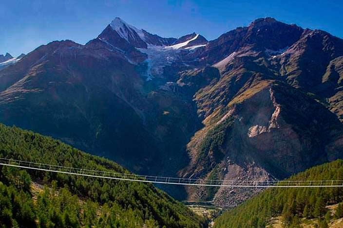 Самый длинный пешеходный подвесной мост в 85 м. над долиной