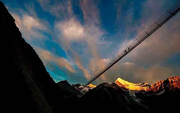 Самый длинный пешеходный подвесной мост Charles Kuonen