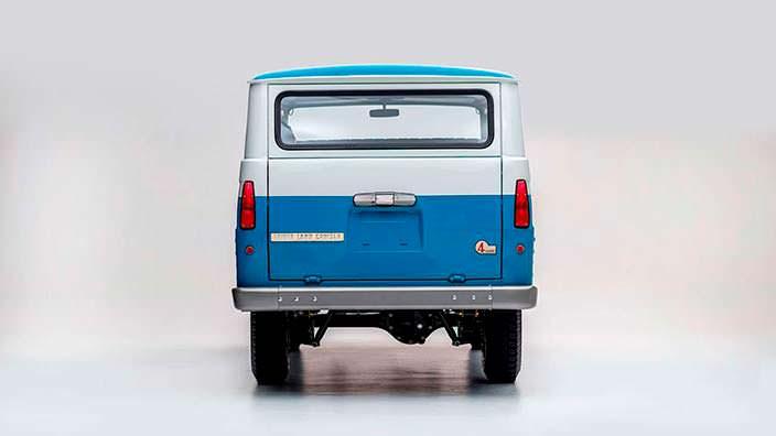 Коллекционная Toyota Land Cruiser FJ45LV 1967 года