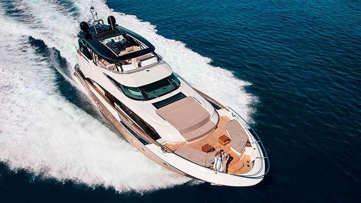 Mia: новая яхта Monte Carlo Yachts длиной 29,26-метра