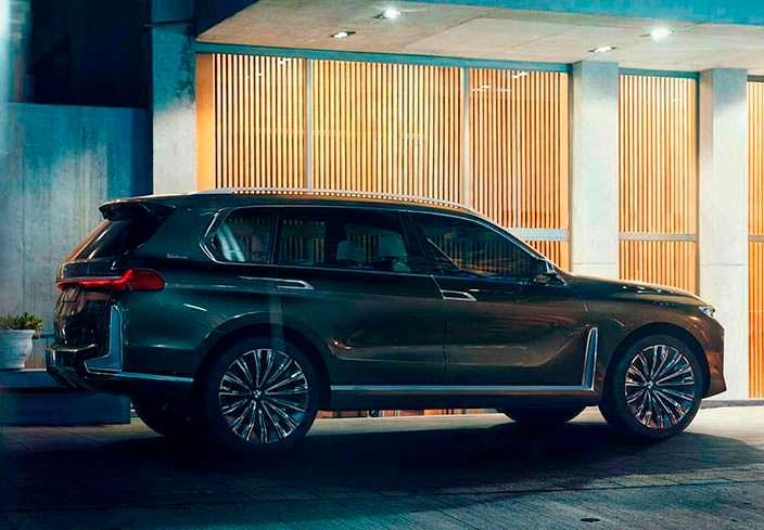 Гигантский внедорожник BMW X7 iPerformance Concept 2017