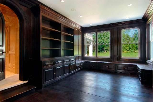 Черные деревянные панели в дизайне интерьера
