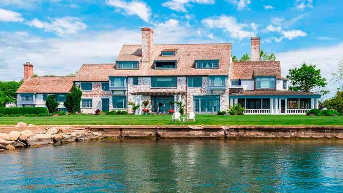Бывший дом Кэтрин Хепбёрн с пристанью и пляжем
