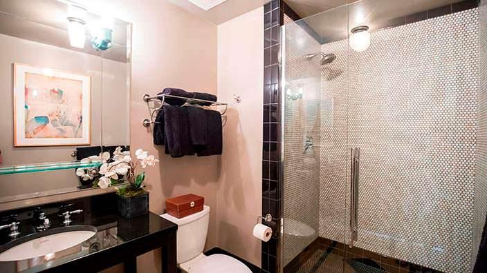 Дизайн ванной комнаты в квартире Джонни Деппа