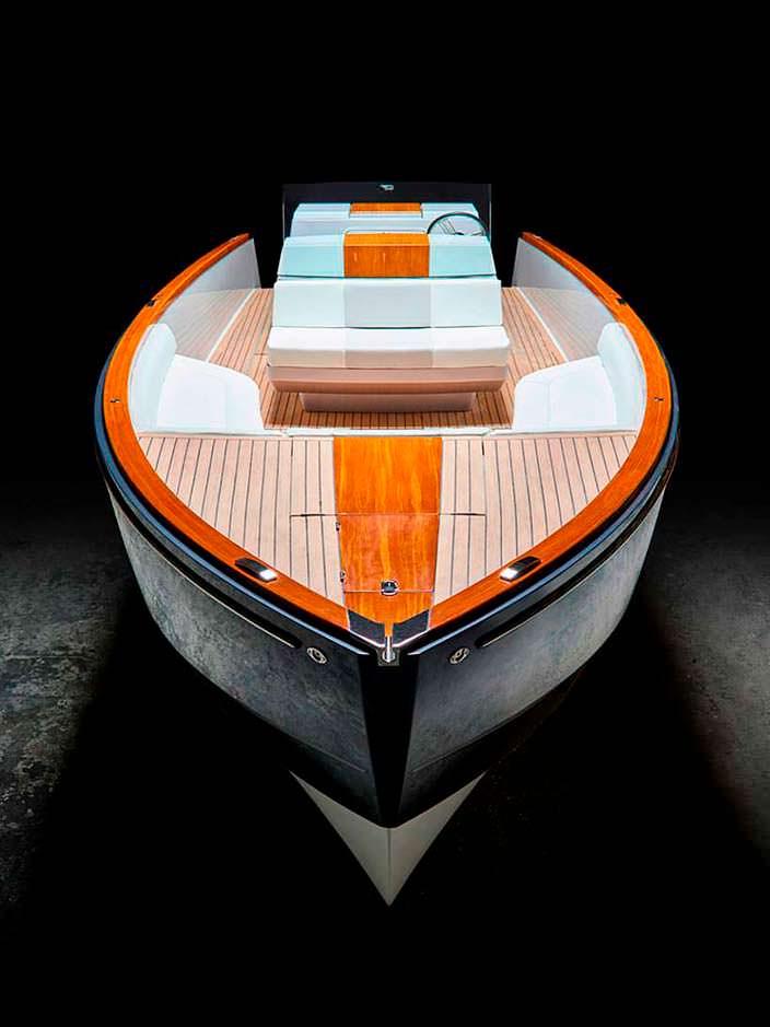 Прогулочный электрокатер Dasher от Hickley Yachts