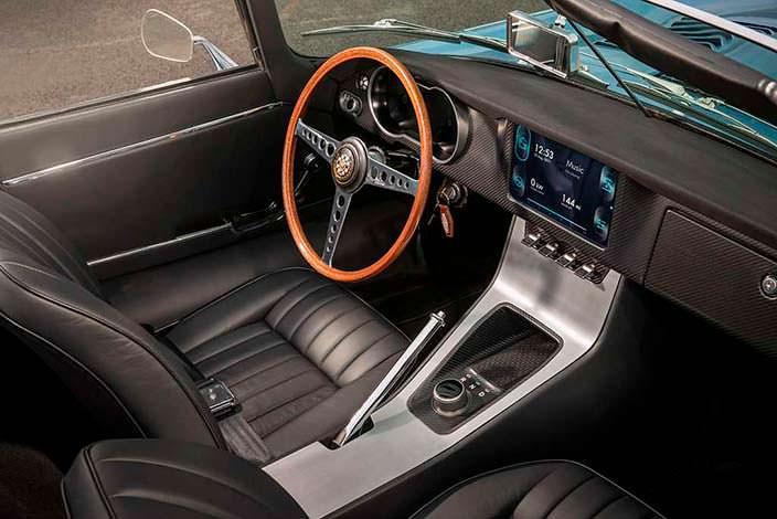 Электрокар Jaguar E-Type Zero: обновленный салон