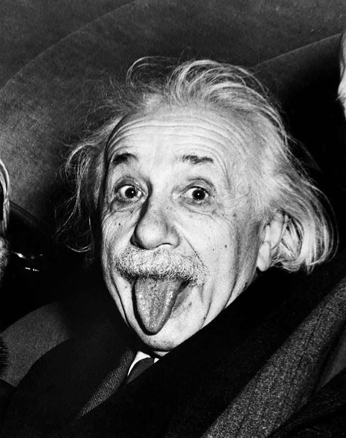 Известное фото Альберта Эйнштейна с языком
