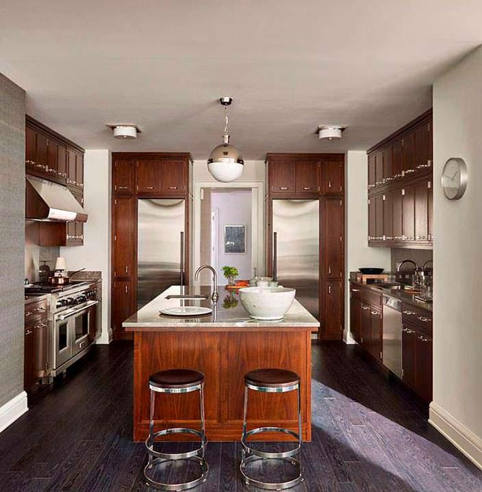 Мебель кухни из ореховой древесины