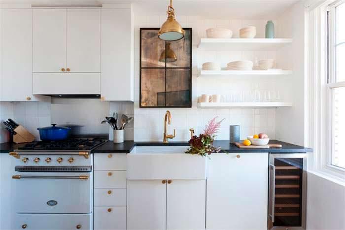 Современный дизайн компактной кухни