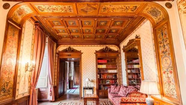 Замок Chateau Carbonnieres был отреставрирован в 2010 году