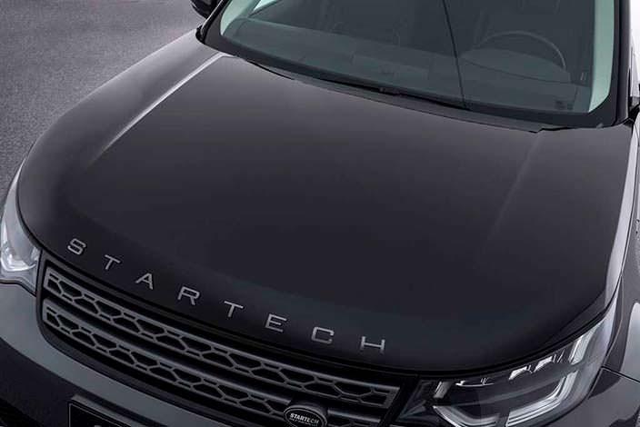 Надпись Startech на капоте вместо Land Rover