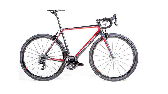 Шоссейный велосипед Scuderia Ferrari: цена 15 000 евро