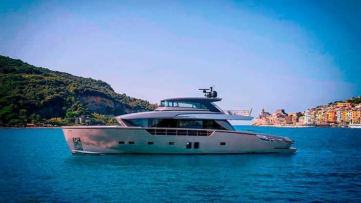 Яхта-кроссовер Sanlorenzo SX88 длиной 27 метров