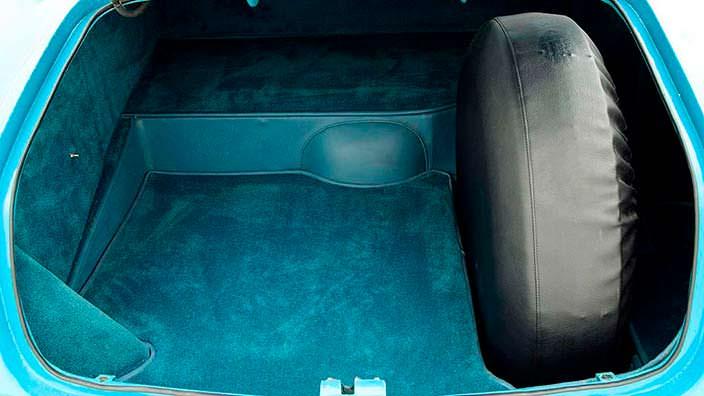 Багажник с запаской в чехле Chrysler Ghia Special Coupe