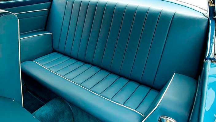 Задний диван Chrysler Ghia Special Coupe