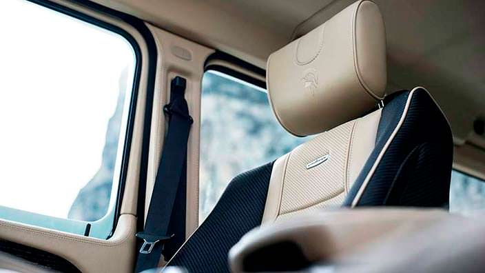 Отделка сидений в Ares X-Raid из Mercedes G-Class