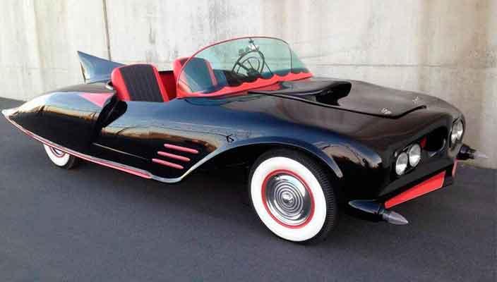 Первый в истории Бэтмобиль 1956 года продадут на аукционе