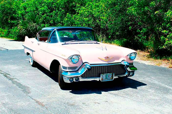 Розовый Cadillac матери Элвиса Пресли Глэдис