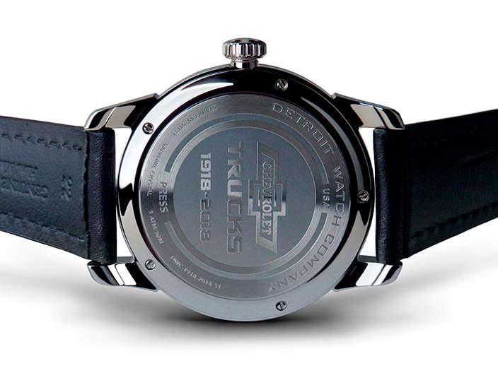 Часы с кожаным ремешком DWC Chevrolet