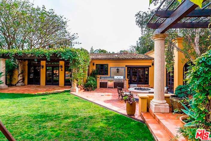 Дом модели Кендалл Дженнер в Беверли-Хиллз 90210