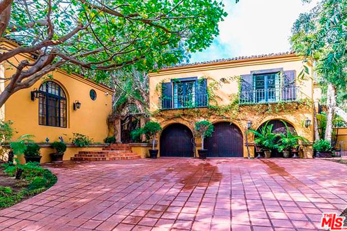 Дом в испанском стиле Кендалл Дженнер в Беверли-Хиллз 90210