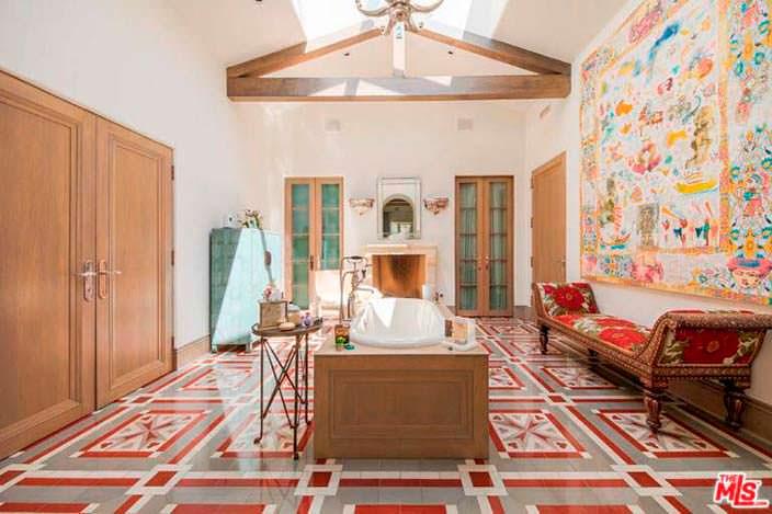 Римская ванная в доме Кэти Перри