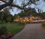 Крис Дженнер продает дом со скидкой $1,1 млн | цена и фото