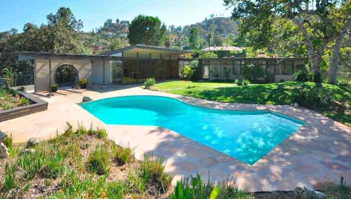Рэйчел Билсон купила дом с бассейном в Пасадене | фото, цена