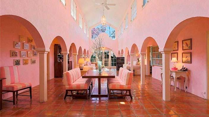 Дом в испанском стиле создателя Зорро