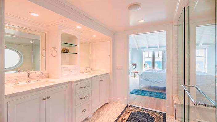 Дизайн ванной комнаты в хозяйской спальне