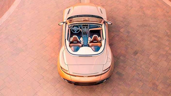 Салон Aston Martin DB11 Volante