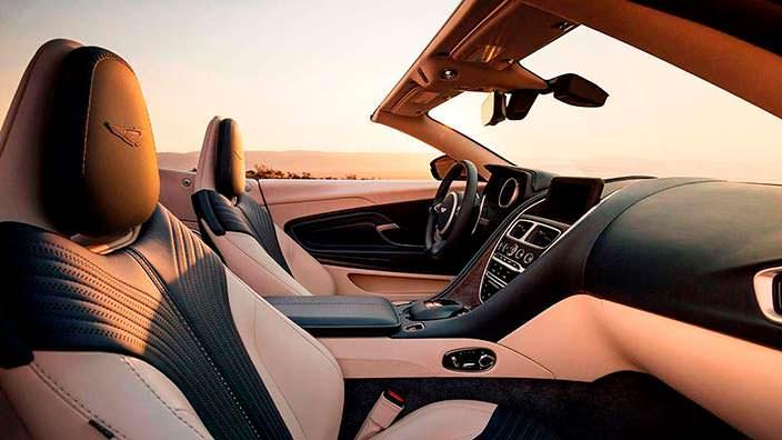 Фото салона Aston Martin DB11 Volante