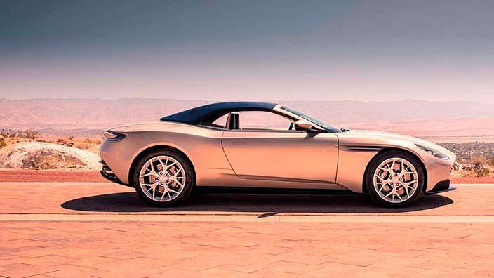Спорткар Aston Martin DB11 Volante