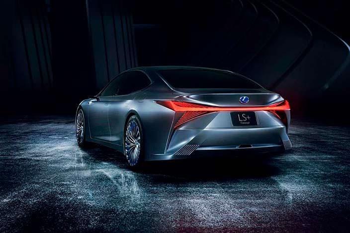 Lexus LS+ Concept. Светодиодная полоса на всю ширину багажника