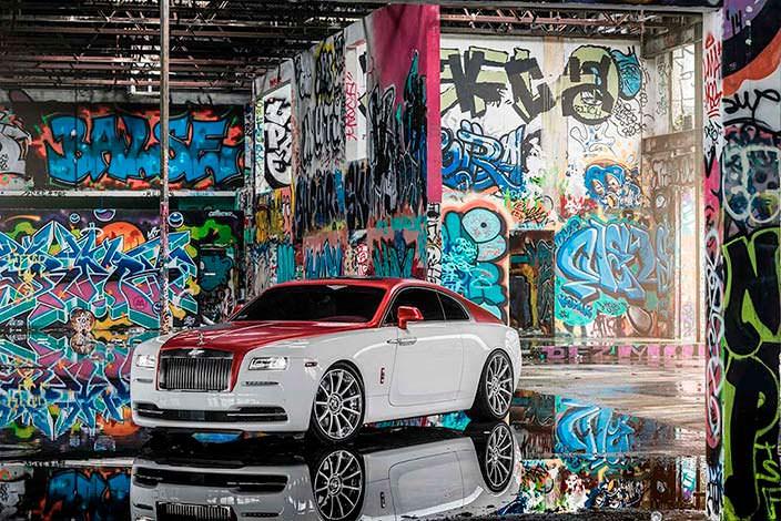 Бело-красный Rolls-Royce Wraith от подразделения Bespoke