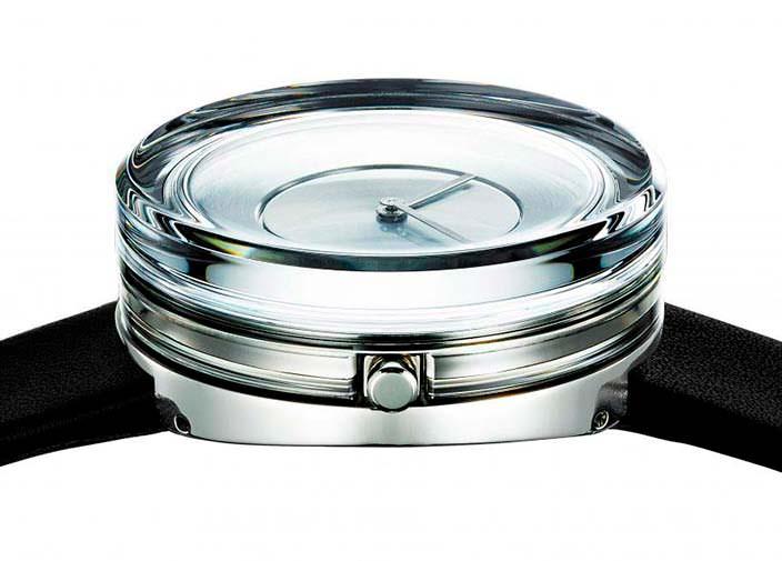 Стеклянные часы от Токуджина Йошиоки