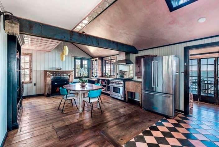 Дизайн интерьера старого дома в деревенском стиле